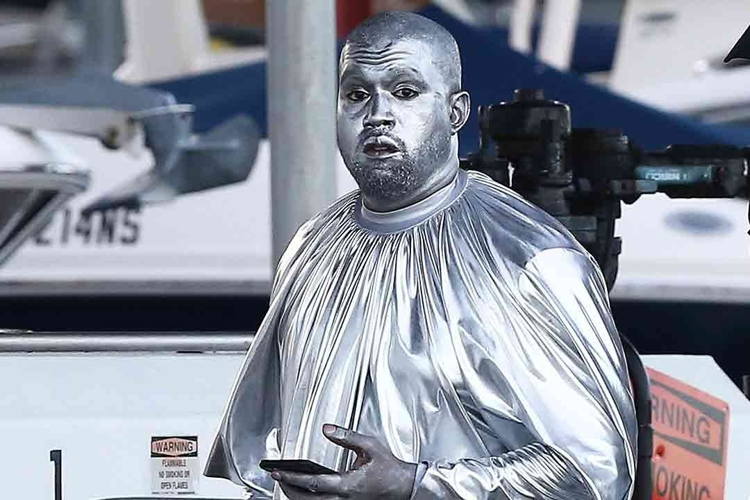 The Best Twitter Reactions To Kanye West S Bizarre Silver