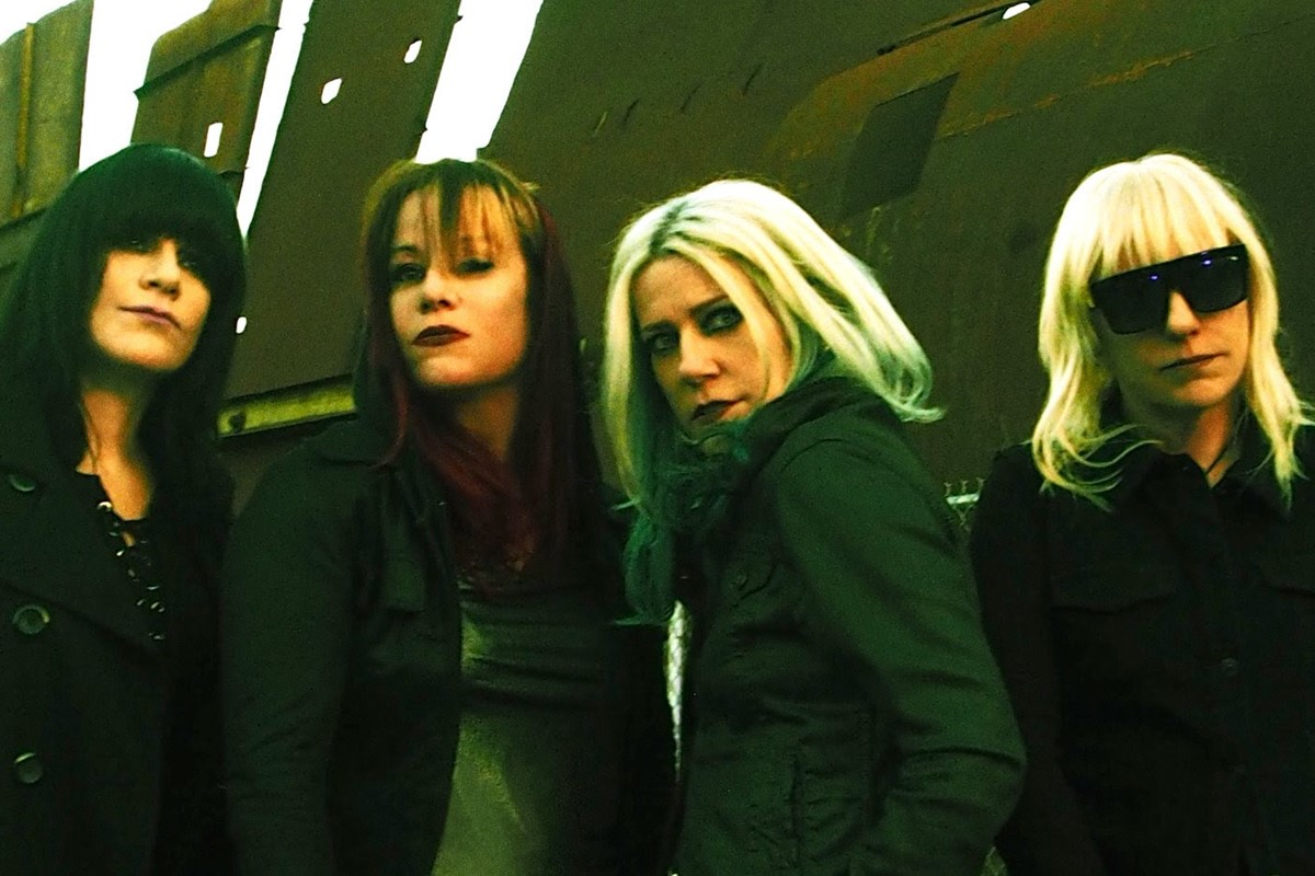 L7 are back to bitch