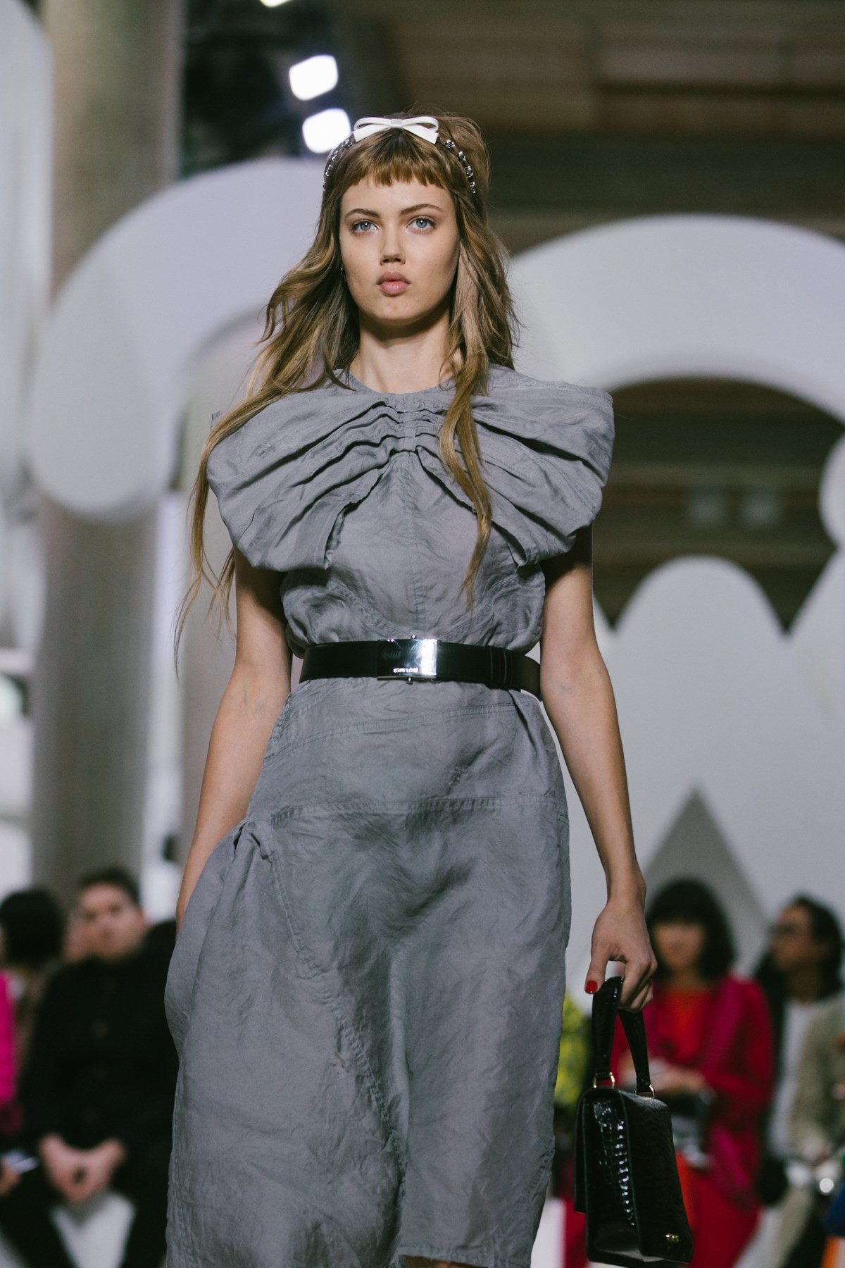 bf62bc9e4af Lindsey Wixson comes out of (v short) retirement to walk at Miu Miu ...