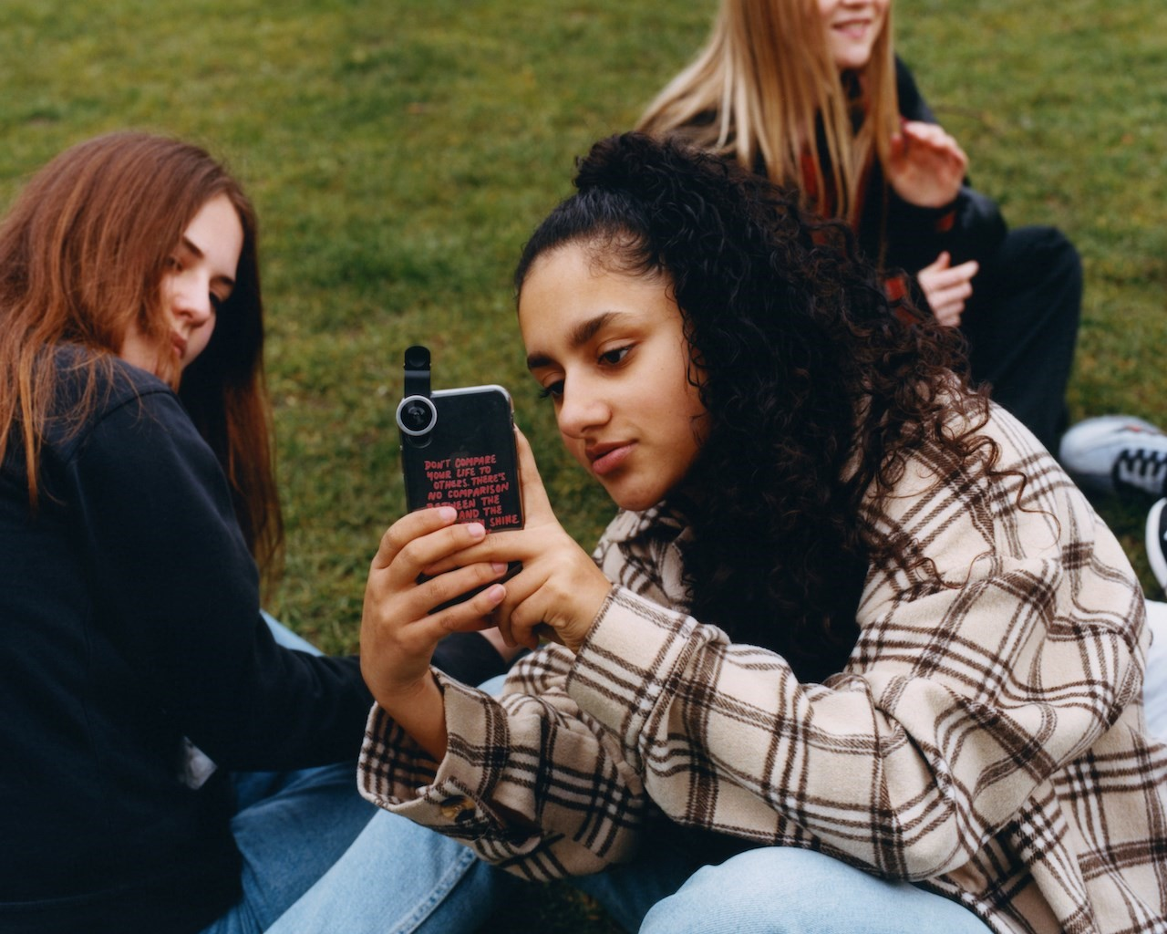 How do London's teenage girls see the future of the city? 3
