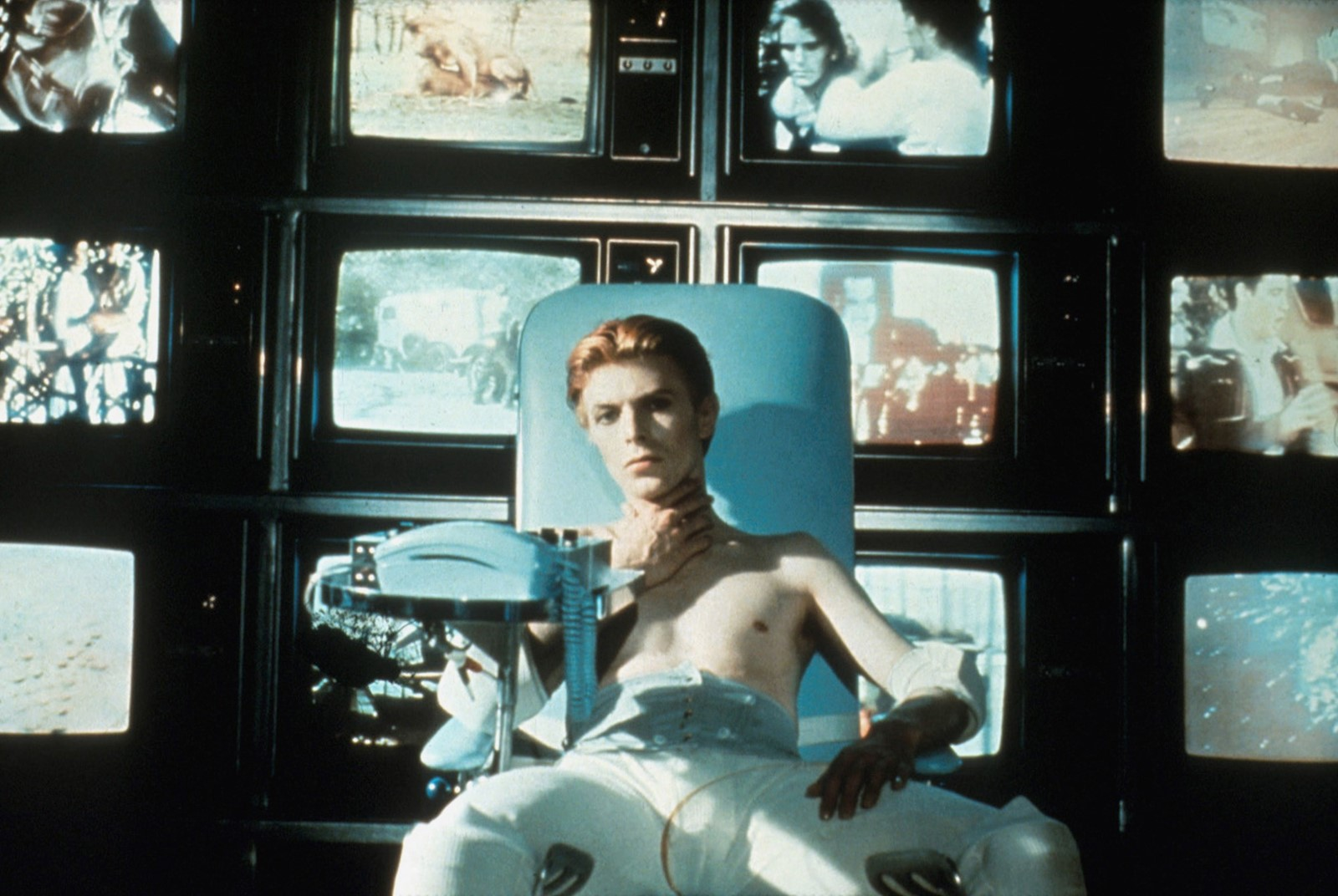 The Man Who Fell to Earth still 3