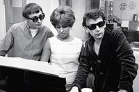 Darlene Love recording with Phil Spector and 4