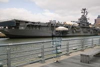 Liu Bolin - Hiding in New York No.6 - Intrepid 4