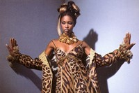Cult Naomi Campbell Moments 6