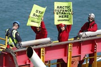 Activists Board Shell Drillship in NZ 3