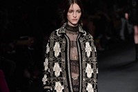 Valentino AW15 Dazed runway womenswear knitwear white 32