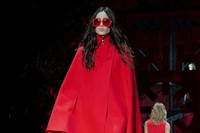 Versace AW15 Dazed runway womenswear red cape sunglasses 0