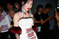 13. Backstage at the show, Mimi's girls 2