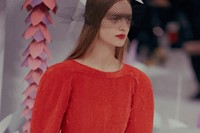 Chanel Haute Couture SS15 beaded red feathered flowers pink 1
