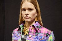 versace aw18 donatella milan mfw fashion week 13