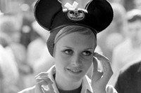 Twiggy, Disneyland, 1967 3