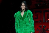 Versace AW15 Dazed runway womenswear faux fur green coat 4