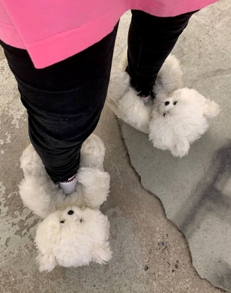Vetements AW19 teddy bear slippers