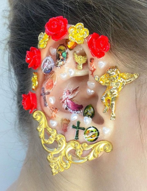 EAR MAKE-UP 2021 beauty trend