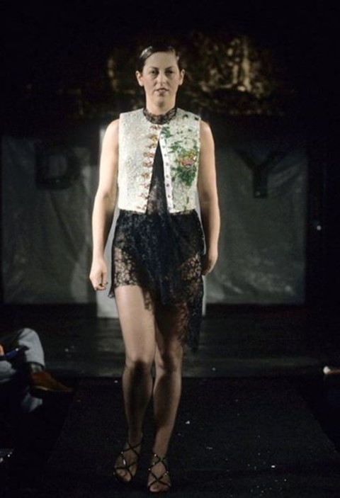 3700f2ff7fb3 Isabella Blow walking in Alexander McQueen s AW94 show