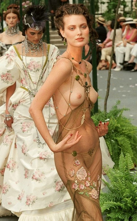 Shalow Harlow for Christian Dior SS07 Haute Couture