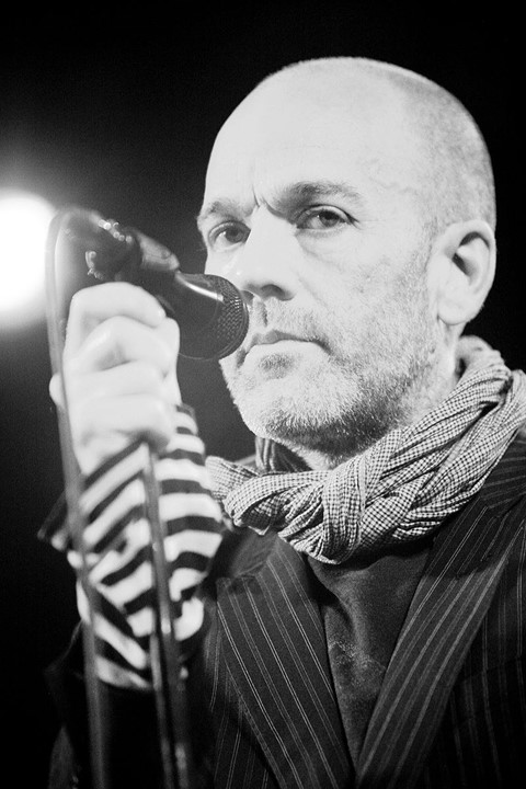 800px-Michael_Stipe_of_REM_photographed_by_Kris_Kr