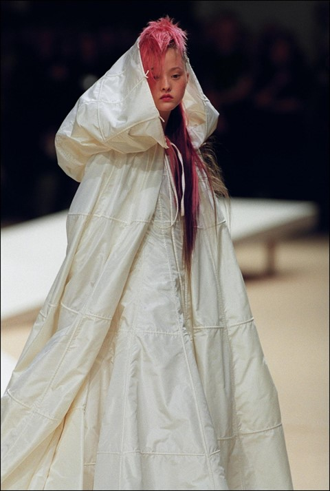 Devon Aoki chanel Couture 1999 AW chanel