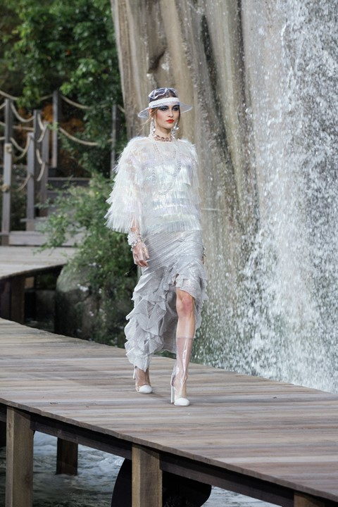 chanel ss18 paris pfw karl lagerfeld fashion