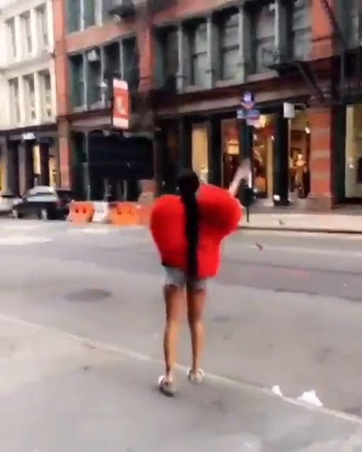 The Top 10 Viral Moments Of 2016: 2016's Most Viral Fashion Moments