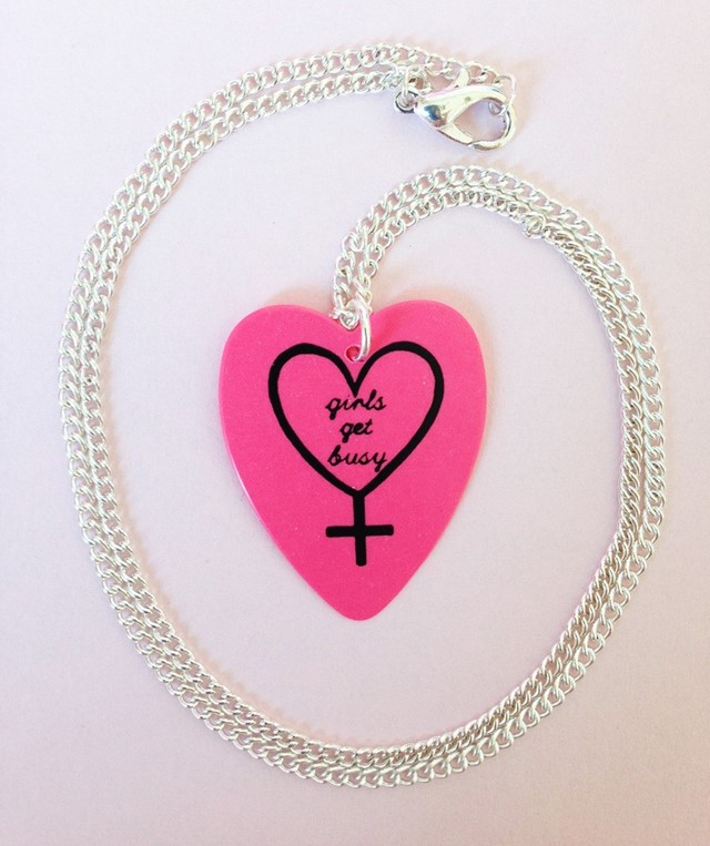 girls get busy plectrum necklace