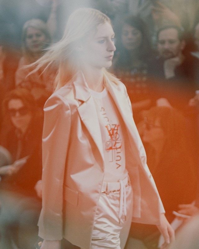 Louis Vuitton AW15 Dazed runway womenswear silk jacket