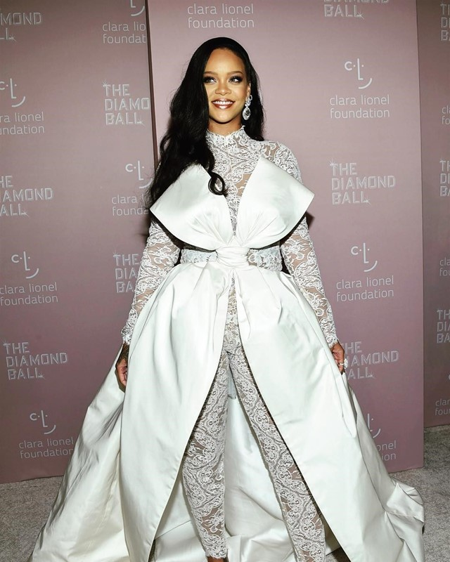 Rihanna diamond ball fenty beauty nyfw