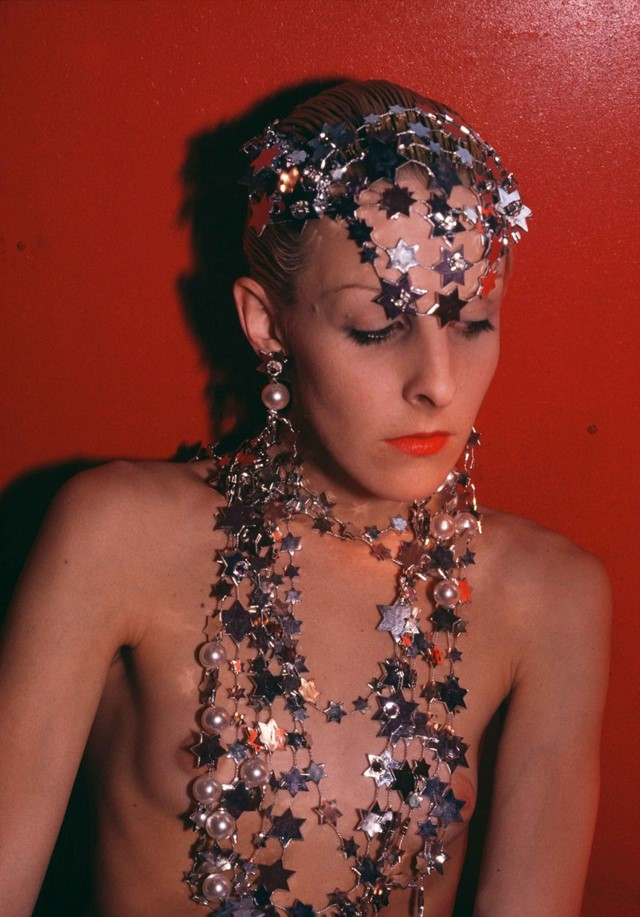 53_greer-modeling-jewelry-nyc-1985