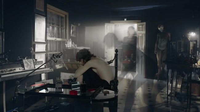 Charlotte Gainsbourg - Lying With You video