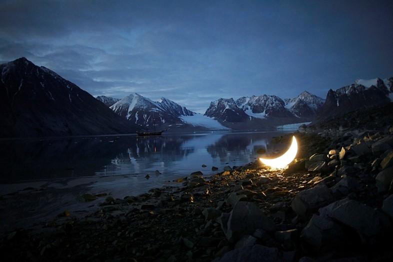 Journey of Private Moon in the Arctic
