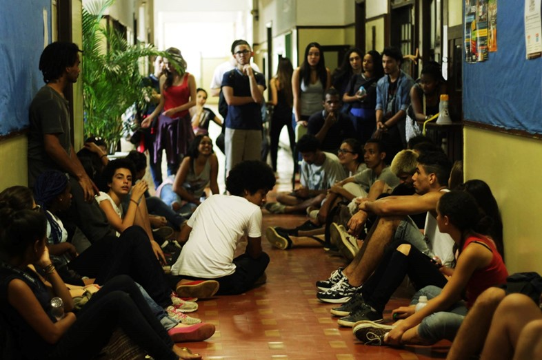 Brazil students lock themselves inside a school