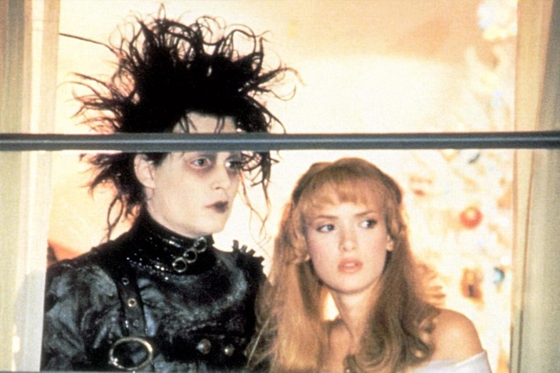 edward-scissorhands-johnny-depp-winona-ryder-20th-