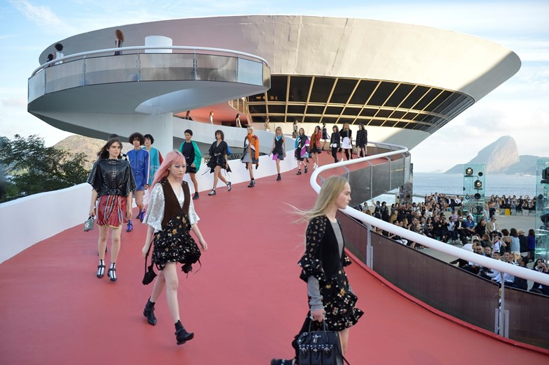 Louis Vuitton 2017 Cruise