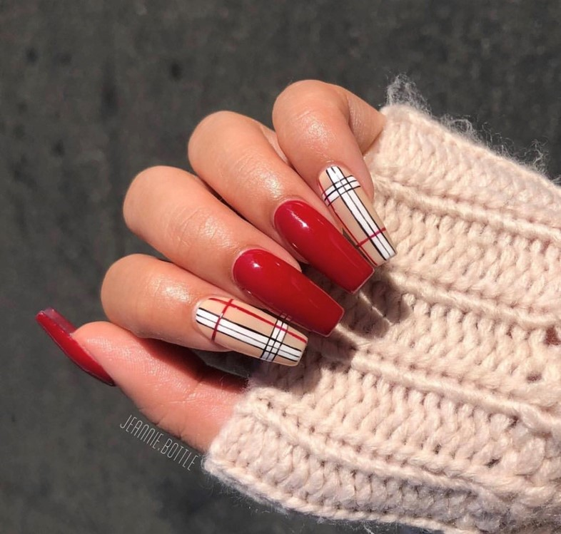 Here Are The Best Plaid Nails For All Your Back To School