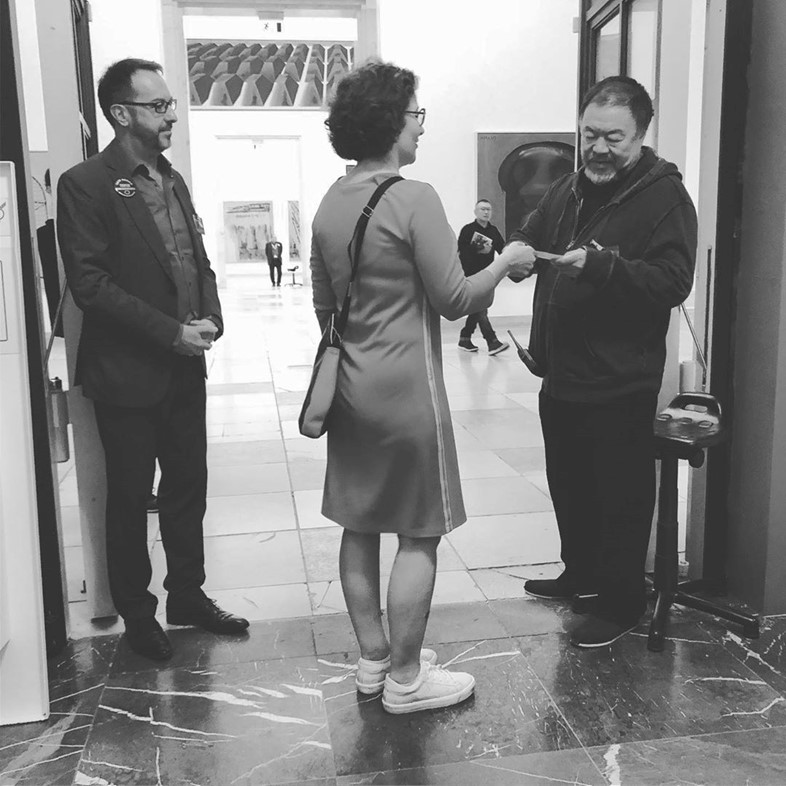 Ai Wewei stages guerrilla protest in solidarity with museum staff in Munich