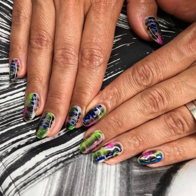 Five of the best, trippy tie-dye nails