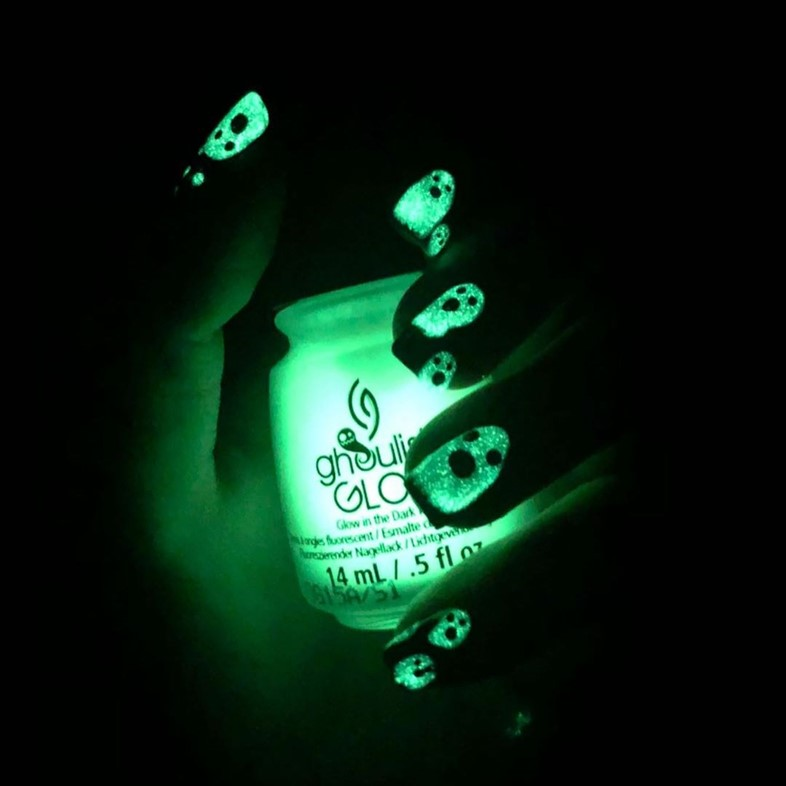 glow in the dark nails nail art trend trends