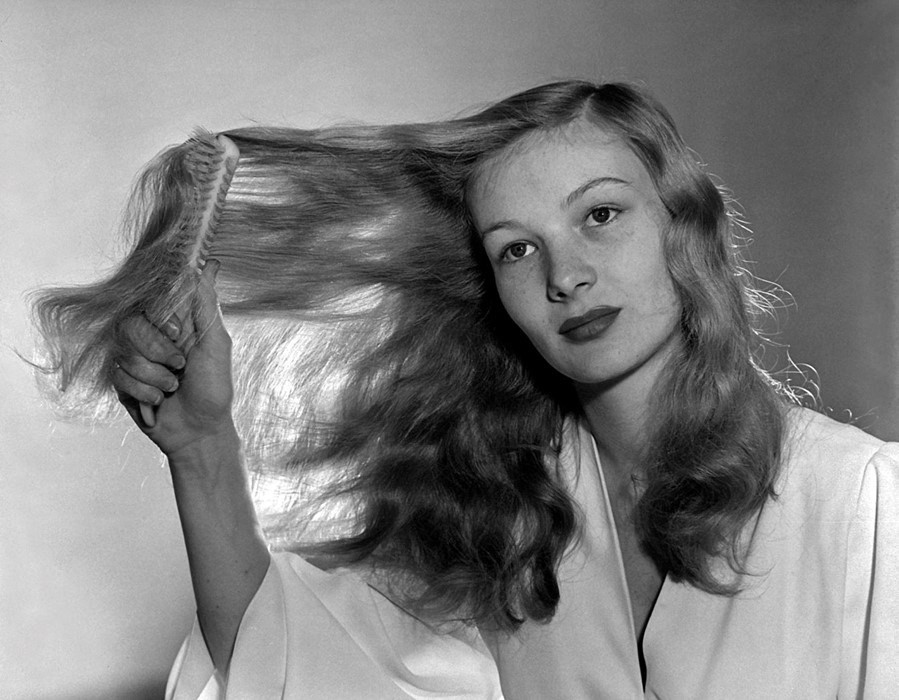 Brushing hair Veronica Lake