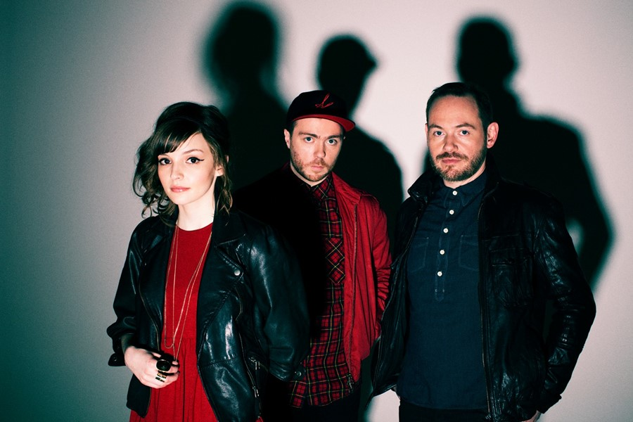 CHVRCHES_PhotoByEliotHazel_1