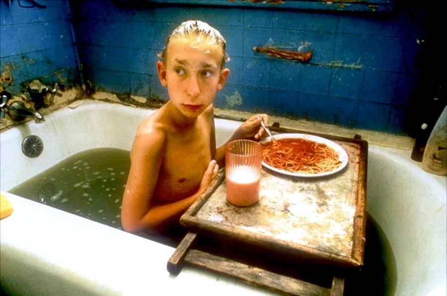 Bathtub scene from Gummo