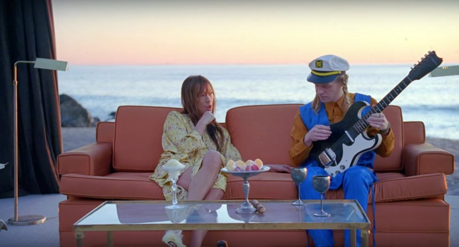 Connan Mockasin x Blonde Redhead Video