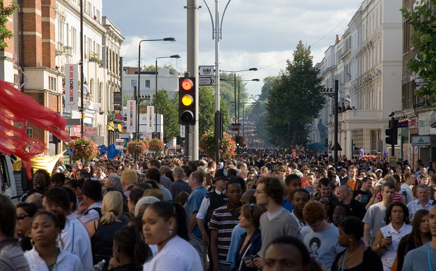 notting hill carnival crowd