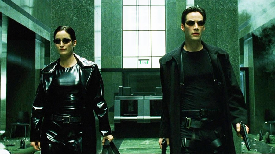 Carrie-Anne Moss and Keanu Reeves in The Matrix (1999)