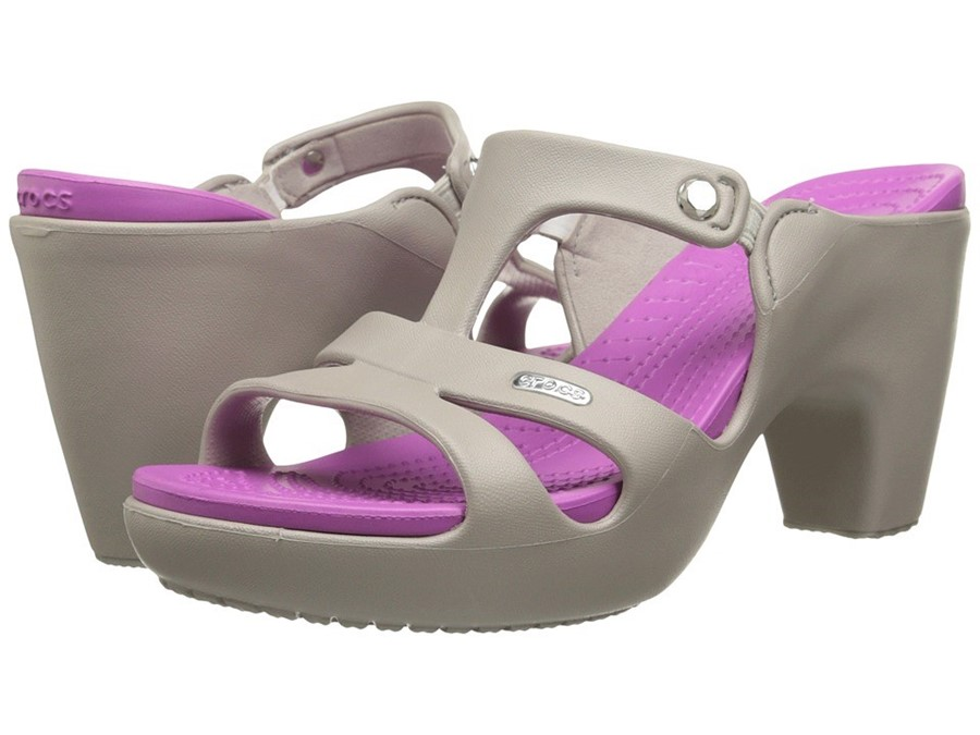 69bff4c6d621 These high-heeled Crocs are already sold out