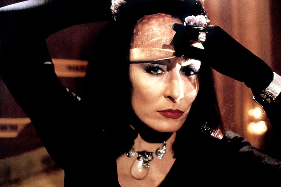 anjelica-huston-the-witches1
