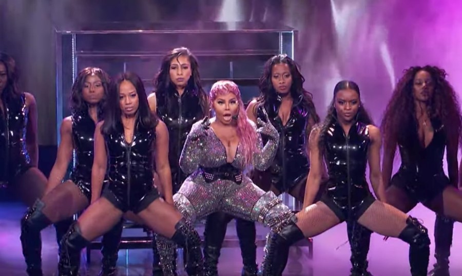 Watch Lil Kim perform a medley of her most iconic hits