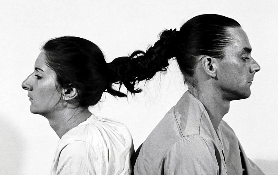 "Marina Abramović and Ulay, ""Relation in Time"" (1977)"